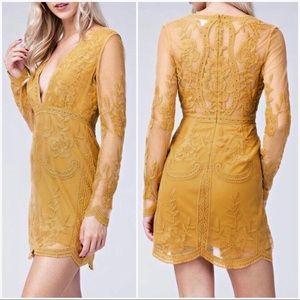 NEW 🔥🔥 Honey Punch Long Sleeve Lace Dress